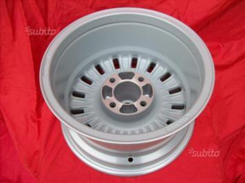 Cerchi Alfa Romeo Millerighe Montreal 7,5x14 (7)